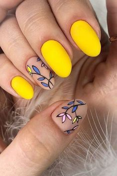 100 Trendy Stunning Manicure Ideas For Short Acrylic Nails Design - Page 8 of 101 - Yellow Nails -