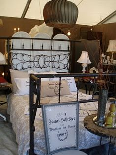 round top/warrenton texas antique show via garden antqs vintage