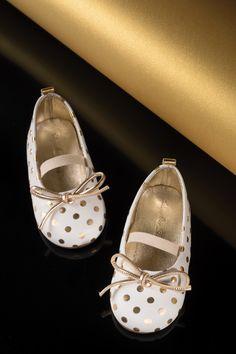 x-mas mood.. Polka dots Balarina in Gold.. BABYWALKER   #babywalker #babywalkershoes #kidsshoes #babyshoes #vaptistika #vaptisi #designershoes #kidsfashion Polka Dot Shoes, Polka Dots, Designer Shoes, Mary Janes, Baby Shoes, Flats, Sneakers, Mood, Winter