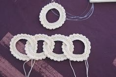 Necklace or bracelet - free Crochet Pattern