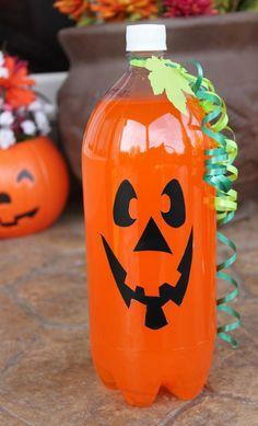 Refresco de naranja como calabaza de Halloween