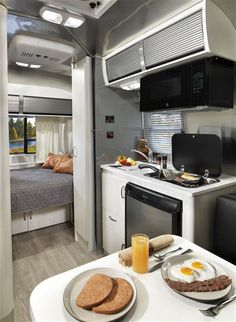 2016 Airstream 16 Sport Ultra Lite w/ Sharksfin Interior