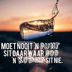 God is in beheer. Faith Quotes, Bible Quotes, Motivational Quotes, Inspirational Quotes, Christening Quotes, Spirit Of Discernment, Afrikaanse Quotes, Hope In God, Names Of Jesus