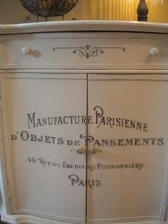 Oui!  Chalk Paint.....love this look!  I don't usually like things with words written on them but apparently I do when it's written in French.  That is French, right?
