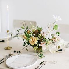 Workshop teasers from @kenzievictory! Look at this fresh tablescape from this talented team of vendors! #Regram via @www.instagram.com/p/BUdUbVYAaLm/?saved-by=gatheriecreative
