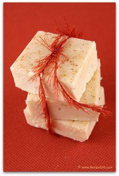 Eggnog Fudge - SOOO easy and perfect for Christmas gift-giving