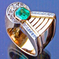 ART DECO  ----  Comet Ring  ----  Gold Emerald Diamond  ----  French, c.1935