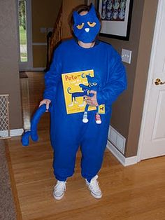 Not this costume, but definitely dressing up as Pete the Cat for some dress up day at school! Cat Costumes, Halloween Costumes, Halloween Ideas, Costume Ideas, Pete The Cat Costume, Pete The Cats, Flannel Friday, Dress Up Day, Sequencing Activities