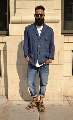 Urban Street Style, Camo Desert Boots, and baggy Faded Jeans, Men's Spring Summer Fashion.