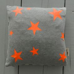 AnnekeP's clips for tagset #Orange Grey                                                                                                                                                                                 More