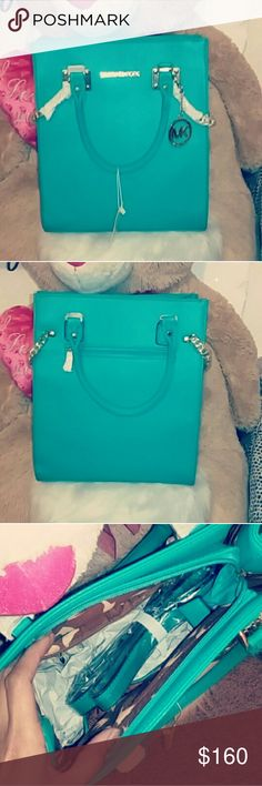 Purse Michael Kors A beautiful turquoise purse😻 It's NEW 👐 Bags Totes