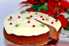 Mjuk pepparkaka med lingon & creamcheese frosting | Hannas bageri Candle In The Dark, Christmas Baking, Frosting, Food And Drink, Pudding, Cooking, Desserts, Recipes, Muffins