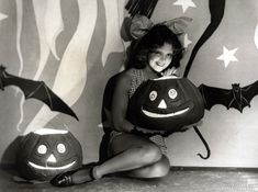 VINTAGE HOLLYWOOD HALLOWEEN | Vintage Halloween Hollywood Actress Pin-Ups | grayflannelsuit.net