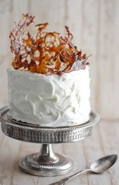 Cake with caramelised cake topper
