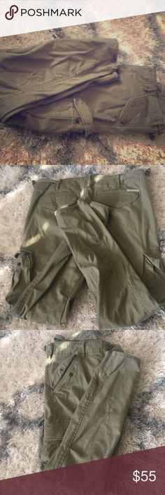 Ralph Lauren fitted skinny khaki pants New Skinny Denim & Supply (Ralph Lauren) Skinny Khaki fitted with skinny ankle and zipper ankle !!   Super cute with heels and it's fitted  Wore twice ! Denim & Supply Ralph Lauren Pants Skinny