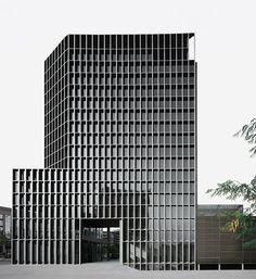 Carlos Ferrater - MediaPro building, Barcelona