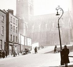 Jim L uploaded this image to 'Dublin'. See the album on Photobucket. Ireland Pictures, Old Pictures, Old Photos, Vintage Photos, Vintage Light Fixtures, Photo Engraving, Ireland Homes, Dublin City, Street Lamp