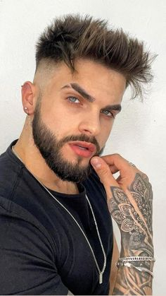 Classic Mens Hairstyles, Mens Hairstyles Fade, Haircuts For Men, Short Haircuts, Short Bleached Hair, Short Dark Hair, Short Fade Haircut, Short Haircut Styles, Mens Fade Haircut