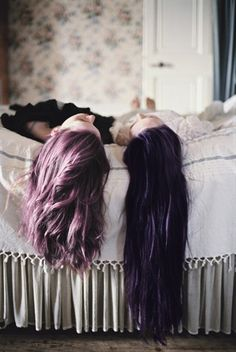 I like both their hair colors, but I like the girl on the right's a little bit better :)
