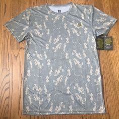 US Army ACU DIGITAL CAMO Tee T-Shirt Performance Compression Undershirt Size Med #USARMY