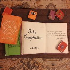 Una mesa de un gran lector de Borges... #borges #cake