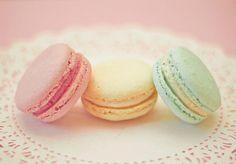 pretty pastel macarons
