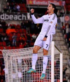 Cristiano Ronaldo Net Worth 2015 http://www.sportyghost.com/cristiano-ronaldo-net-worth-2015/
