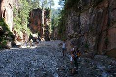 Bletterbachschlucht, 280 miljoen jaar geleden gevormd door de kracht van het water- Rio della Foglie/Bletterbach.