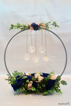 It amazes me what you can do with a 1 hula hoop from the Dollar Tree. This hula hoop wedding hack is such a clever idea if I do say so myself. Wedding Decorations On A Budget, Budget Wedding, Wedding Themes, Wedding Tips, Wedding Table, Wedding Planning, Wedding Day, Wedding Ceremony, Trendy Wedding