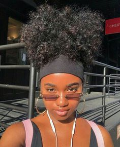 for all things natural hair + care! Natural Hair Inspiration, Natural Hair Tips, Natural Hair Styles, Natural Glow, Natural Beauty, Black Girls Hairstyles, Afro Hairstyles, Brown Skin Girls, How To Pose