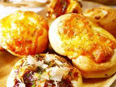 小さめのお惣菜パンでランチ!(5種×3)の画像