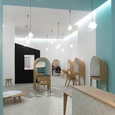 au terrasses du port marseille le coiffeur pascal lancien est un salon - Coiffeur Coloration Naturelle Paris