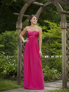 Elegant strapless sleeveless chiffon bridesmaid dress