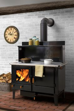 Feel the burning feeling of Wood Stove Design. See more ideas about Wood stoves, Wood oven and Fireplace heater. Picking the best wood burning stoves for your homestead is a personal affair. Wood Burning Cook Stove, Wood Stove Cooking, Fire Cooking, Kitchen Stove, Stove Oven, Cooking Lamb, Cooking Pasta, Kitchen Wood, Cooking Turkey