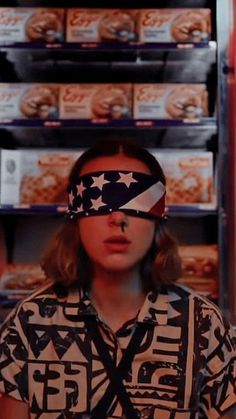 Things fondos de pantalla I love the eggo shrine behind her I love the Bobby Brown Stranger Things, Stranger Things Season 3, Eleven Stranger Things, Stranger Things Netflix, Millie Bobby Brown, Photos Des Stars, Stranger Things Aesthetic, Don T Lie, Private Parts