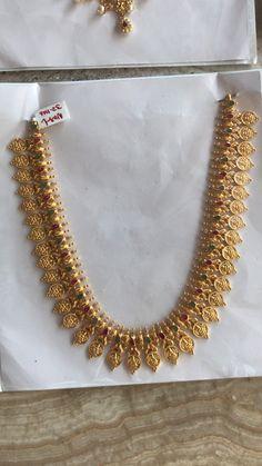 Jewelry Design Earrings, Gold Earrings Designs, Gold Jewellery Design, Necklace Designs, Gold Chain Design, Gold Ring Designs, Indian Jewelry Sets, Gold Jewelry Simple, Gold Necklace