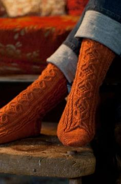 Sin Miedo pattern by Ruth Garcia-Alcantud There's nothing better than some nice warm, comfortable socks to put on during the fall season Orange Socks, Estilo Rock, Cozy Socks, Fun Socks, Autumn Aesthetic, Orange Aesthetic, Color Naranja, Autumn Day, Autumn Leaves