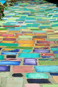 Painted Steps on outdoor path…fascinating! Painted Steps on outdoor path Brick Walkway, Brick Path, Brick Road, Side Yards, Front Yards, Step By Step Painting, Dream Garden, Garden Bed, Garden Paths