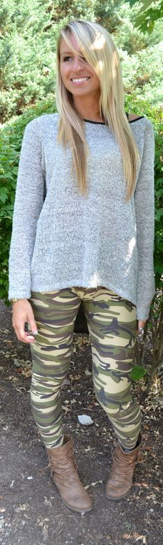 Don't see why you'd actually wear this outfit in the forest #impractical, it's still cute, however. Winter Style, Autumn Winter Fashion, Autumn Fashion, Women's Fashion, Fashion Outfits, Camo Leggings Outfit, Military Looks, Army Pants, Fabric Combinations