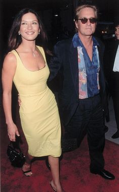 Michael Douglas and his wife Catherine Zeta Jones Cameron Douglas, Kirk Douglas, Cameron Diaz, Catherine Zeta Jones, Famous Couples, Famous Women, Beautiful Women Over 40, Hollywood, Celebrity Couples