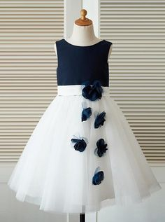 74c8e27a66 A-Line Round Neck Navy Blue Tulle Flower Girl Dress with Lace Flower F048