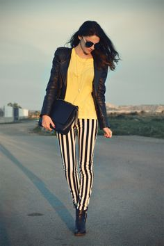 Black and white stripped jeans outfit