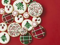 Royal Icing is ideal for cookies – it dries hard and smooth. Royal Icing is ideal for cookies – it dries hard and smooth. Christmas Cookie Icing, Christmas Cupcakes Decoration, Cute Christmas Cookies, Christmas Sweets, Christmas Cooking, Holiday Cookies, Royal Christmas, Thanksgiving Cookies, Royal Icing Cookies
