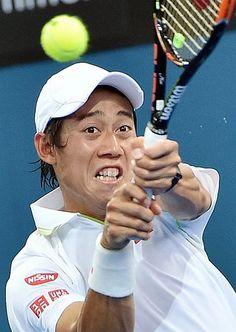男子シングルス2回戦に快勝した錦織圭のバックハンド=7日、オーストラリア・ブリスベン(AFP=時事)  ▼7Jan2015時事通信|錦織、上々のシングルス初戦=サーブの進歩実感-ブリスベン国際テニス http://www.jiji.com/jc/zc?k=201501/2015010700799 #Kei_Nishikori