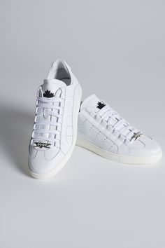 Nike Fashion, I Love Fashion, Fashion Shoes, Cute Beauty, Official Store, White Sneakers, Dsquared2, Trainers, Vans