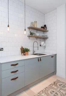 Marvelous Scandinavian Kitchen Design Interior of the All White and Beautiful Tiny Kitchen Kitchen Cupboard Doors, Kitchen Handles, Kitchen Cabinet Design, Modern Kitchen Design, Kitchen Cabinets, Stylish Kitchen, Kitchen Shelves, Home Decor Kitchen, Kitchen Interior