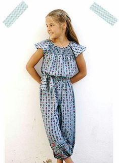 MANGO MONO Really pretty detailing at the ankle cuffs; Kids Outfits Girls, Cute Outfits For Kids, Girl Outfits, Girls Party Dress, Baby Dress, Moda Junior, Jupe Short, Girl Dress Patterns, Kids Pants