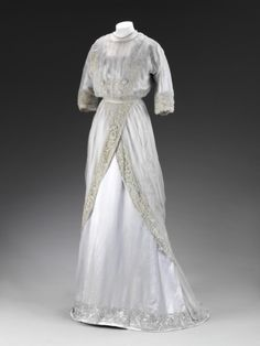 Dress 1909 The Victoria & Albert Museum