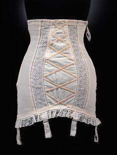 Vintage Lingerie Colette' corset, Christian Dior, Museum no. Vintage Girdle, Vintage Corset, Vintage Underwear, Vintage Dior, Ropa Interior Vintage, Marcel Rochas, 1950s Fashion, Vintage Fashion, Christian Dior