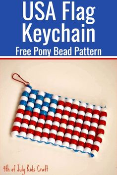 Patriotic Craft / Fourth of July Crafts / Pony Bead Pattern / Pony Bead Crafts / Kid Crafts via If your kids are bored here is a great craft to fill their time. Check out this bead American Flag tutorial for a fun patriotic kids craft! Pony Bead Projects, Pony Bead Crafts, Beaded Crafts, Crafts With Pony Beads, Beading Projects, Pony Bead Patterns, Bead Embroidery Patterns, Beading Patterns, Bracelet Patterns